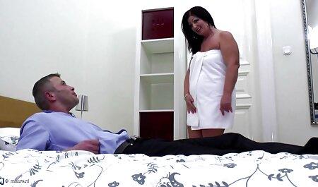МІЛФ ноги секс мами і сина в штанях гаряча