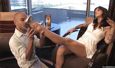 Великий чорний член в тисняві на блондинку з порно мама сином негром