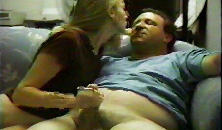 Молода мама відео секс мама і син грає з губами свого чоловіка
