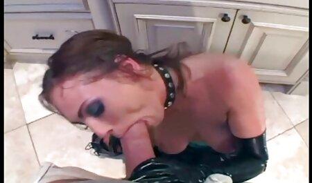 Я змусила свого брата сфотографуватися оголеним порно мами з синами
