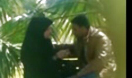 Чоловік секс відео мама з сином трясе дружину разом зі своїми друзями