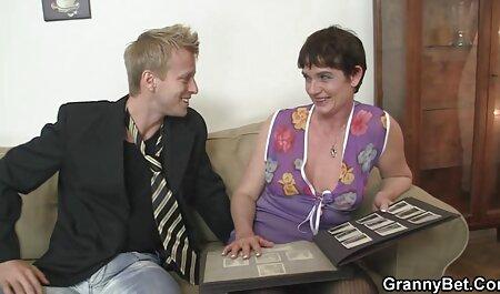 Червона дірочка порно мами з синами з пальцями
