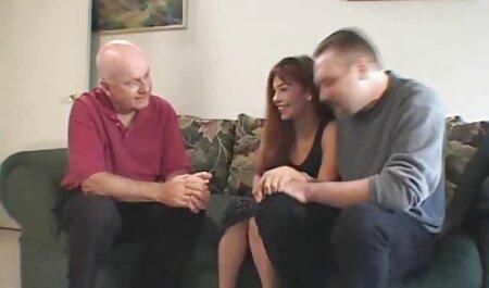 Кожен порномать и син чорний член мало не порвав дівчину в панчохах