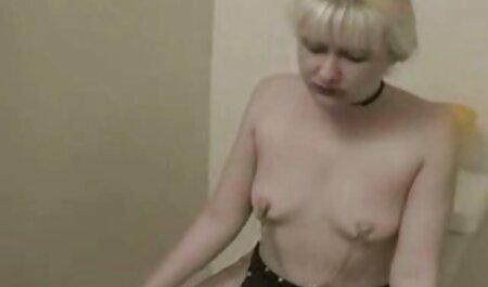 Медсестра під секс мами з сином спідницею показати слот короткий