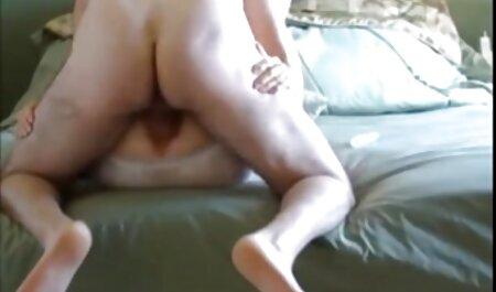 Блондинка кинулася в готель, щоб побачити двох чоловіків, великих секс мати син чорних