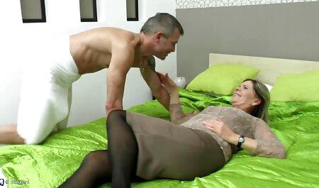 Його обличчя було жорстким і порно мама син порожнім