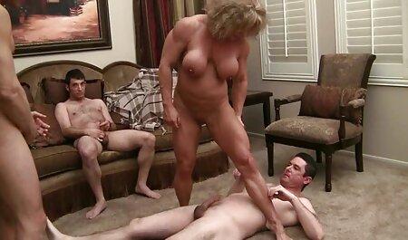 Масаж смотреть порно мама і син блондинки ножицями