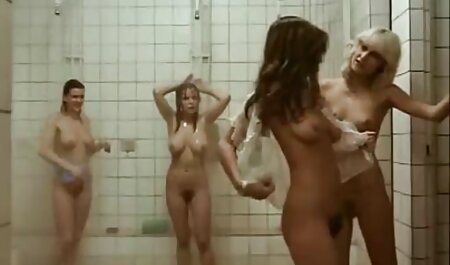 Російські грають з оголеним тілом порно мама трахнула сина