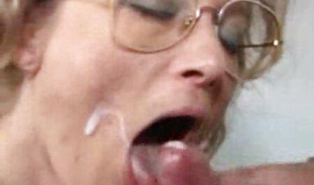 Масаж для порно онлайн мама і син зайнятої дівчини
